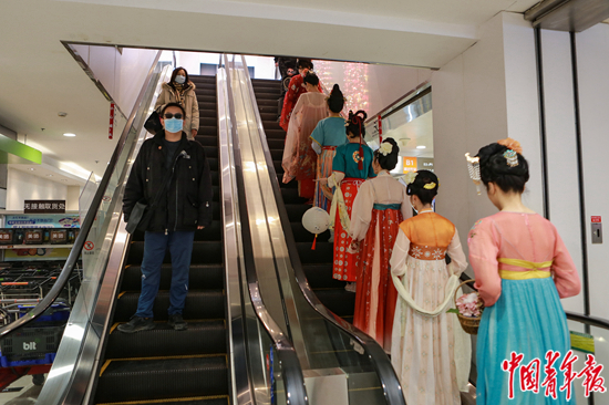 中国传统衣饰的体验馆